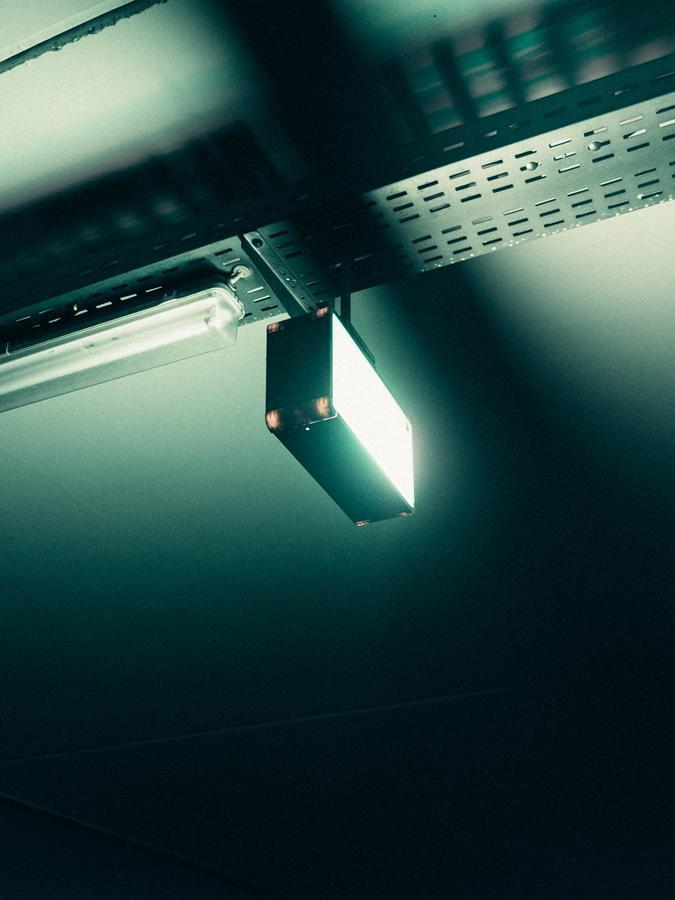 Jak można wyszukać odpowiednie wyroby oświetleniowe?