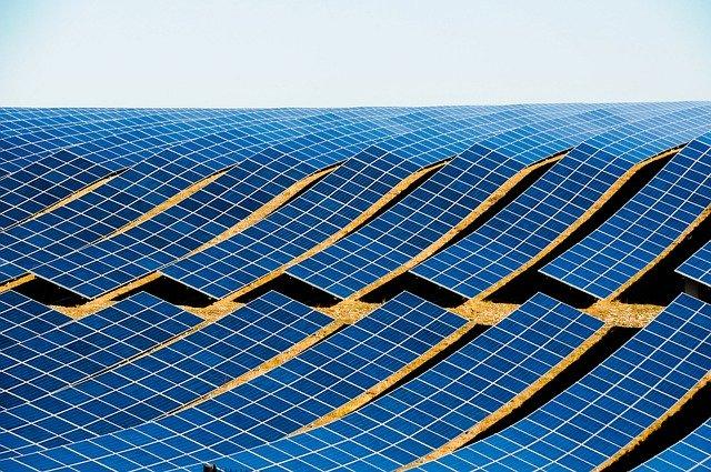 Technologia paneli fotowoltaicznych szybko się rozwija